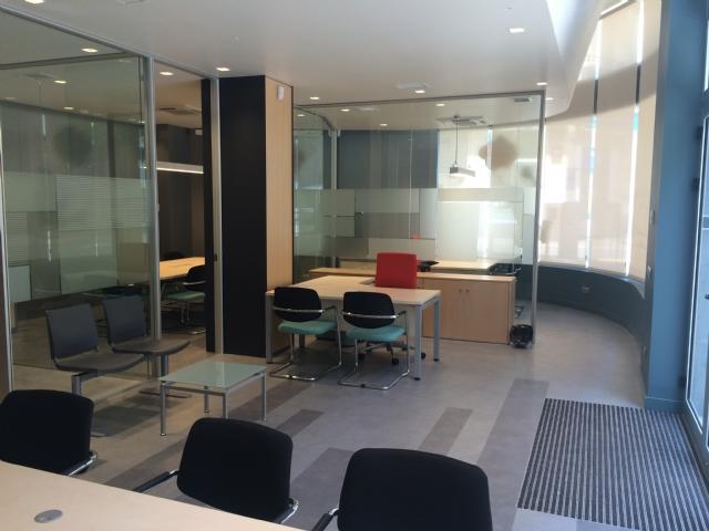 Suelos y parquets en tenerife selecta interiores for Oficinas caser