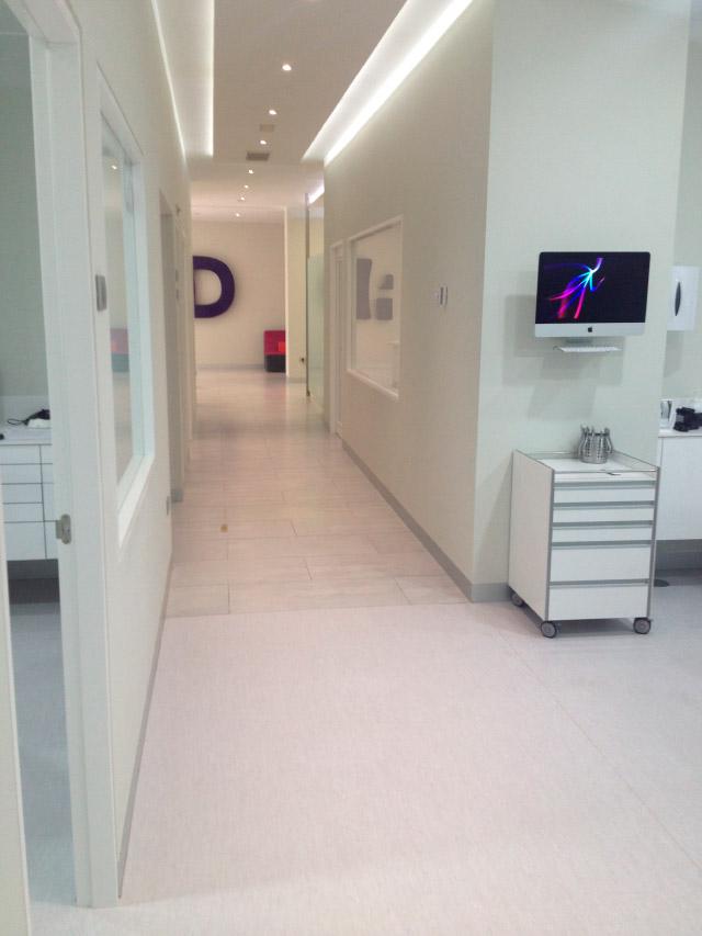 Suelos y parquets en tenerife selecta interiores - Clinica dental caser ...